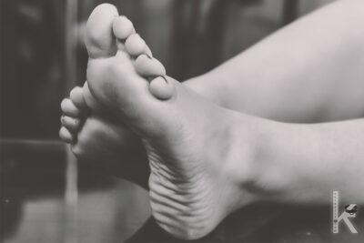 Pis Ayaklarımı Yaladım